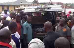 Horror! Seven Traders Crushed to Death Along Osun-Oyo Road (Photo)
